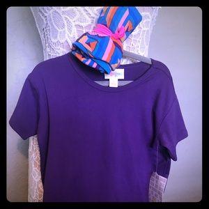 Girls shirt and leggings set.